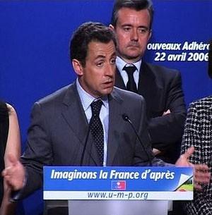 medium_SarkozyJego_tribuneUMP