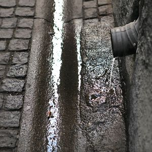 600px-Street_gutter_in_Old_Town_Stockholm