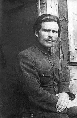 250px-1921._Нестор_Махно_в_лагере_для_перемещенных_лиц_в_Румынии