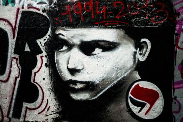 607528-societe-politique-antifa-extreme-gauche