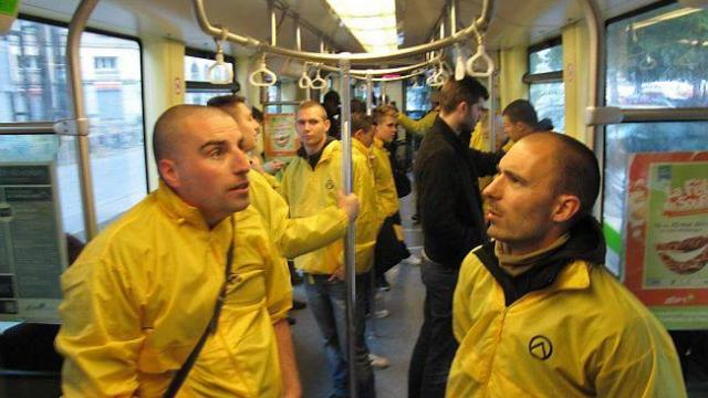 generation-identitaire-prend-le-tramway.jpg
